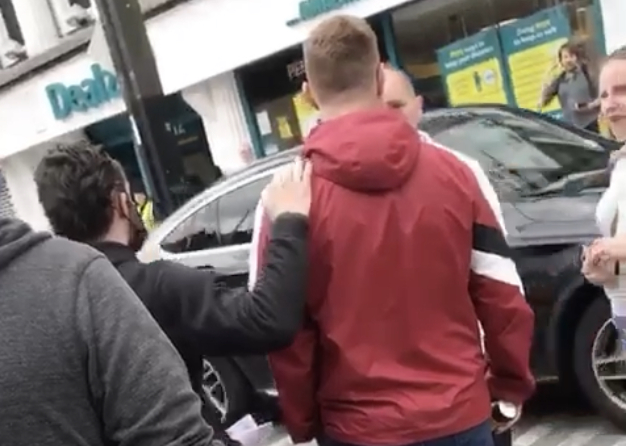 IRSP Face Down Fascist 'Síol na hÉireann' Thug in Cork resulting in Far Right threatening activist.