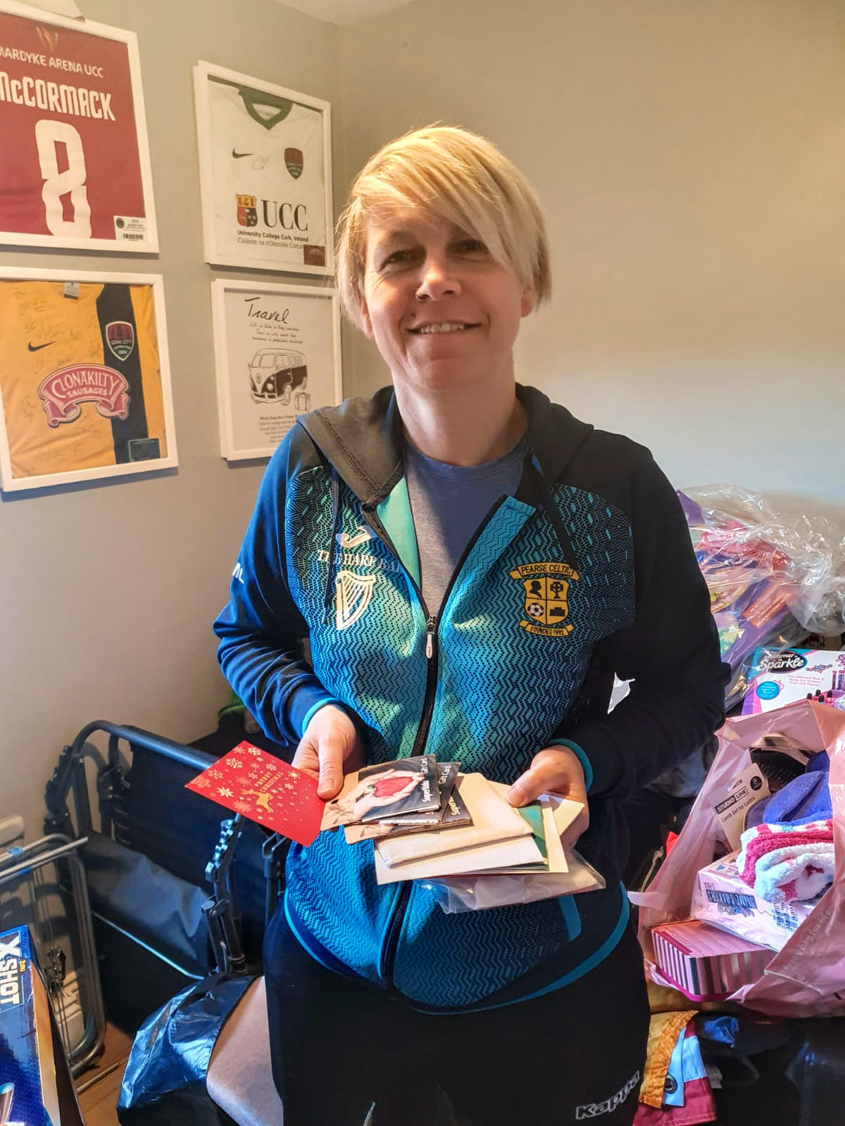 Republican Socialist Aid – Cork IRSP receive community donations of toys, new clothes and vouchers in run-up to Christmas